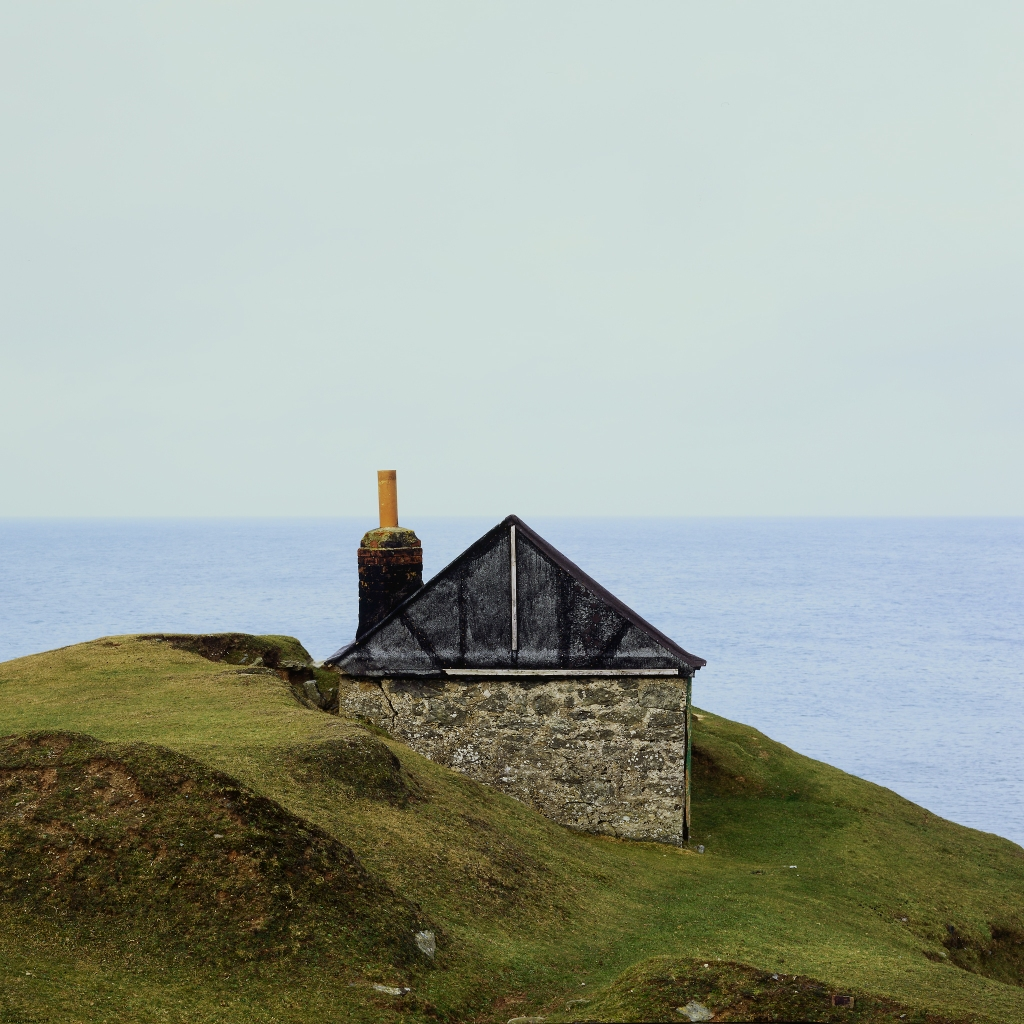 Porth Ysgaden Shack and Sea
